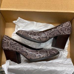 Born snake heels